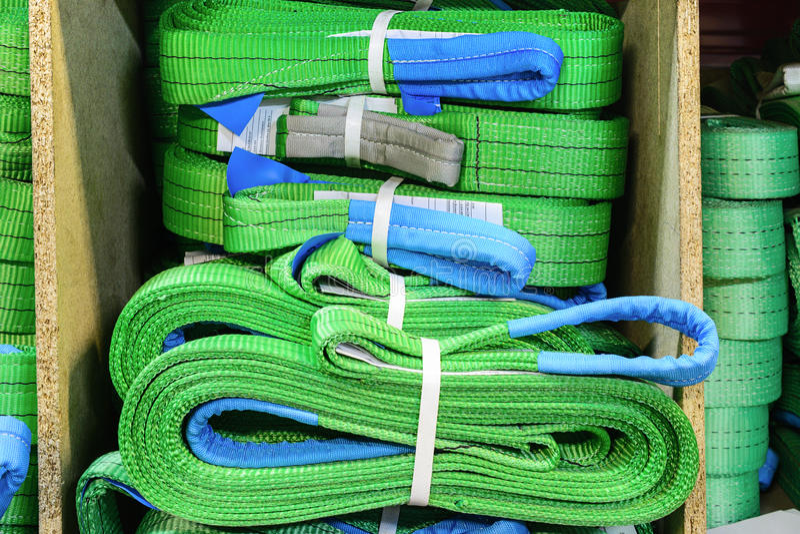 Groene nylon zachte opheffende die slingers in stapels worden gestapeld royalty-vrije stock fotografie