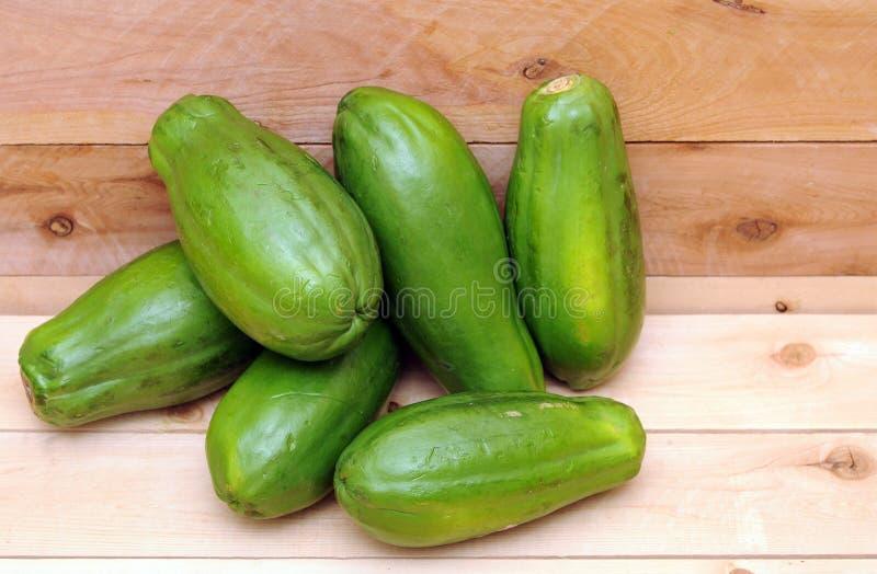Download Groene papaja zes stock foto. Afbeelding bestaande uit niemand - 29511258