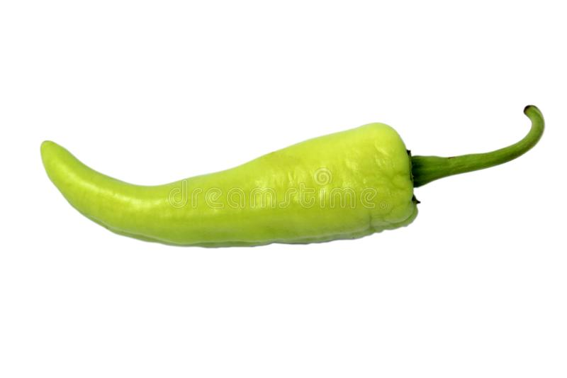 Groene paprika, groene Spaanse pepers op witte achtergrond stock foto's