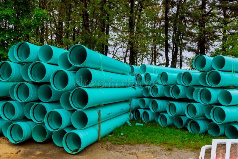 Groene plastic pijpen voor afvoerkanalenwater voor de bouw royalty-vrije stock afbeelding