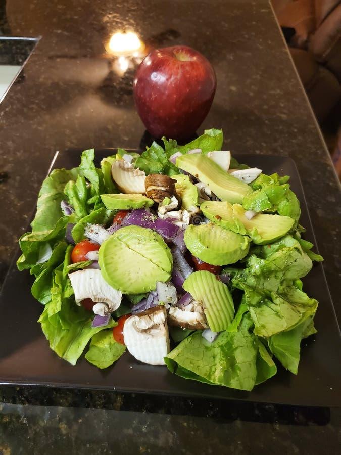Groene salade op een aardige de zomerdag royalty-vrije stock fotografie