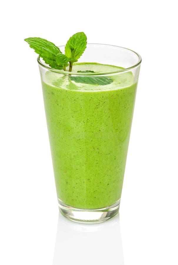 Groene smoothie met munt stock foto's