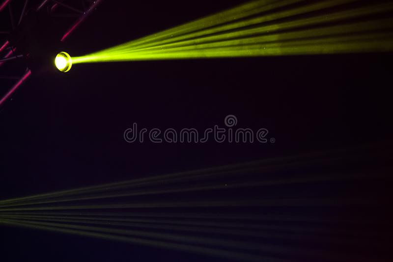 Groene stadiumlichten stock fotografie