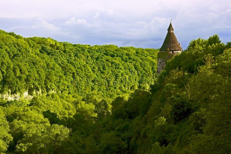 Groene steile helling in kamianets-Podilsky, de Oekraïne royalty-vrije stock afbeelding