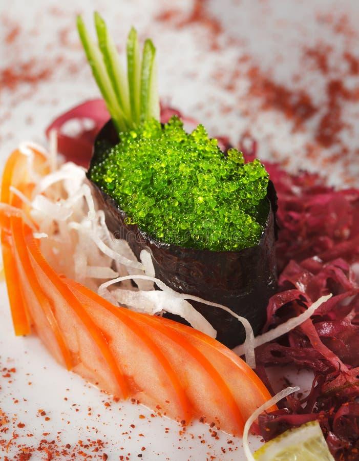 Groene Sushi Tobiko stock afbeeldingen