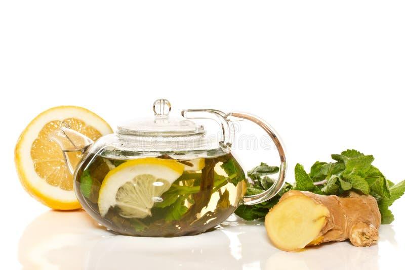 Groene thee met munt en gember stock afbeeldingen
