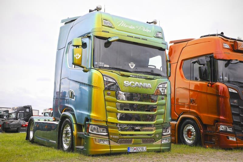 Groene Volgende Generatie Scania S580 van Martin Pakos stock foto