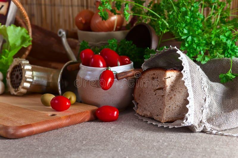 Groenten en brood royalty-vrije stock afbeeldingen