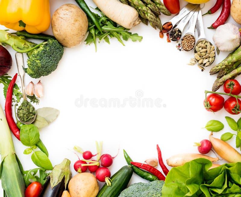Groenten op een wit stock afbeeldingen