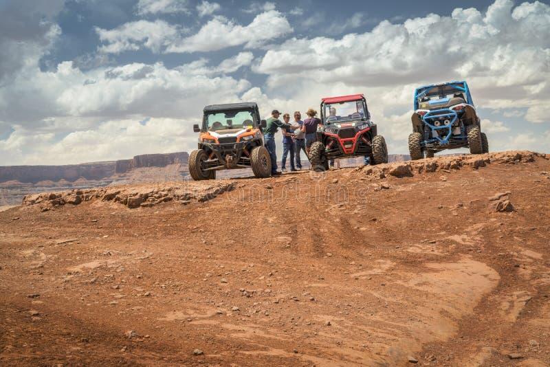 Groep ATV-ruiters bij de top van Hurrah-Pas royalty-vrije stock afbeeldingen