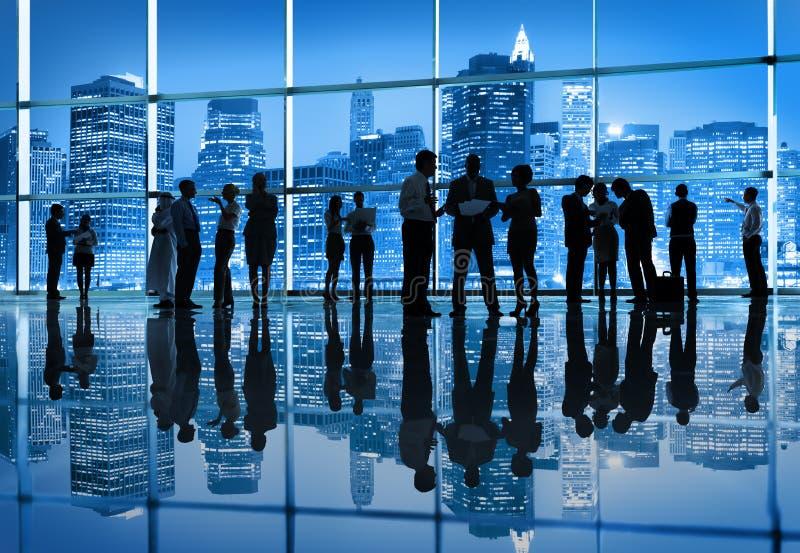 Groep Bedrijfsmensen in de Stad royalty-vrije stock afbeelding