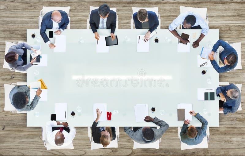 Groep Bedrijfsmensen die een vergadering hebben stock fotografie