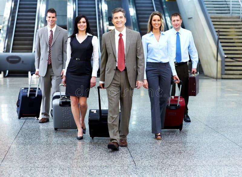Groep bedrijfsmensen in luchthaven. royalty-vrije stock afbeeldingen