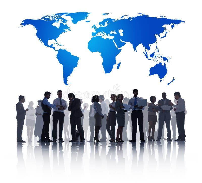Groep Bedrijfsmensen met Globale Zaken stock foto's
