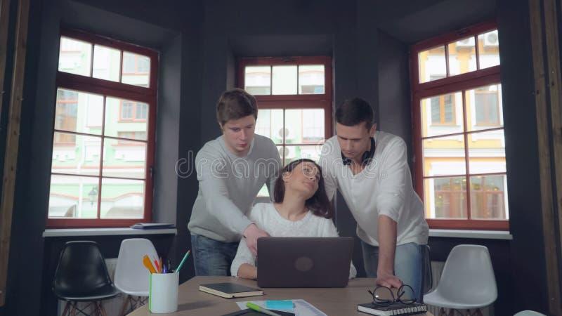 Groep bedrijfsmensen op het werk stock afbeelding