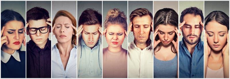 Groep beklemtoonde mensen die hoofdpijn hebben stock afbeeldingen