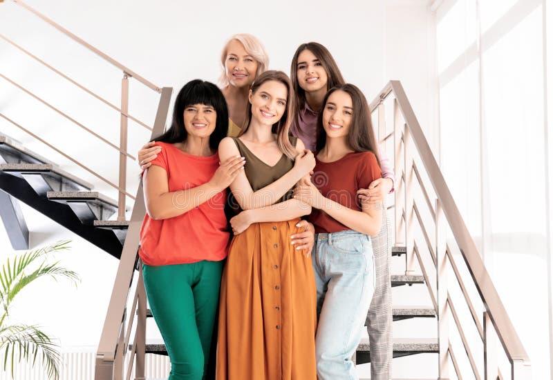 Groep dames op treden Vrouwenmacht royalty-vrije stock foto's