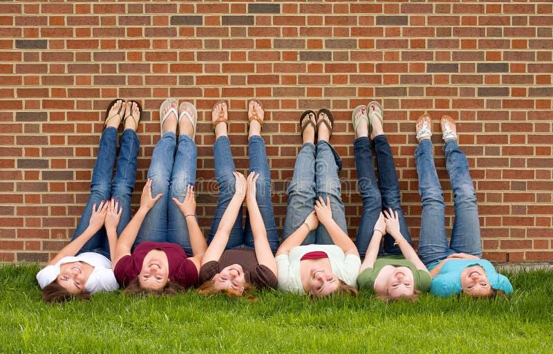 Groep de Meisjes van de Universiteit stock fotografie