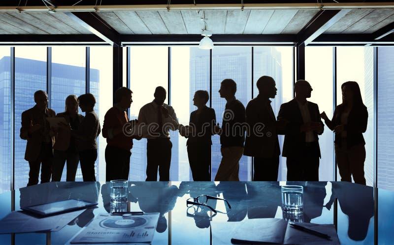 Groep die Zaken in een Vergadering spreken royalty-vrije stock foto's