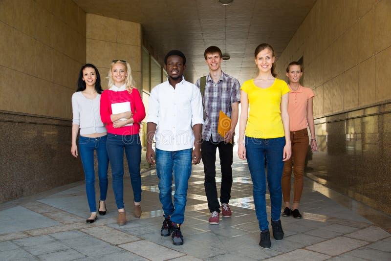 Groep Diverse Studenten buiten royalty-vrije stock foto's