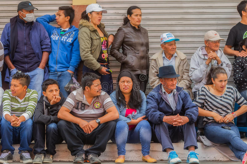 Groep Ecuatoriaanse Mensen op de Straat stock fotografie