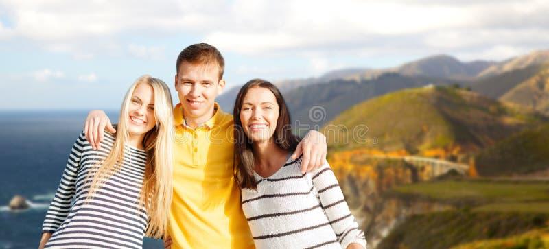 Groep gelukkige vrienden royalty-vrije stock foto