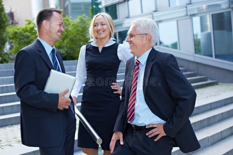 Groep het bedrijfsmensen bespreken royalty-vrije stock afbeelding