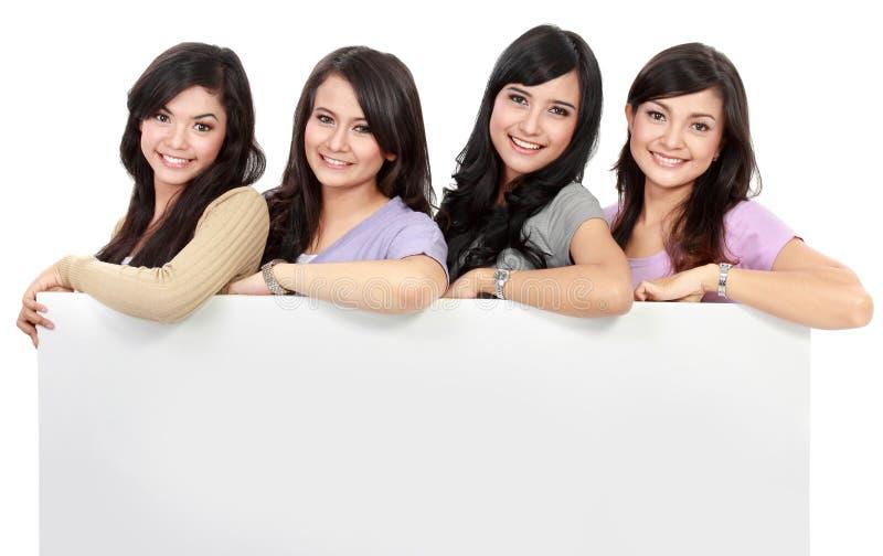 Groep het mooie vrouwen glimlachen royalty-vrije stock afbeeldingen