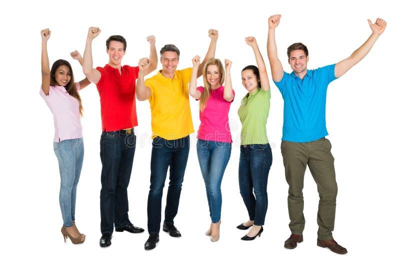 Groep het multi-etnische diverse mensen vieren stock foto's
