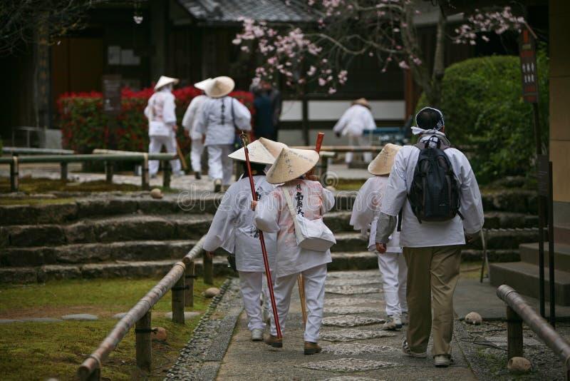 Groep Japanse pelgrims stock foto
