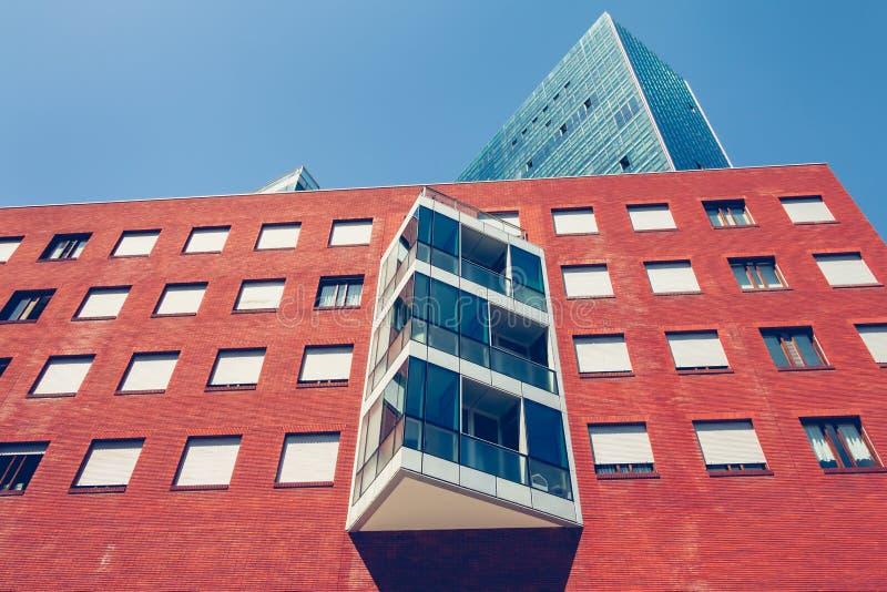 Groep moderne gebouwen in Bilbao van de binnenstad royalty-vrije stock afbeeldingen