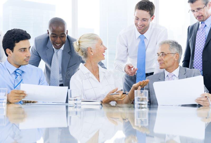 Groep Multi Etnische Zaken Person Meeting stock afbeelding