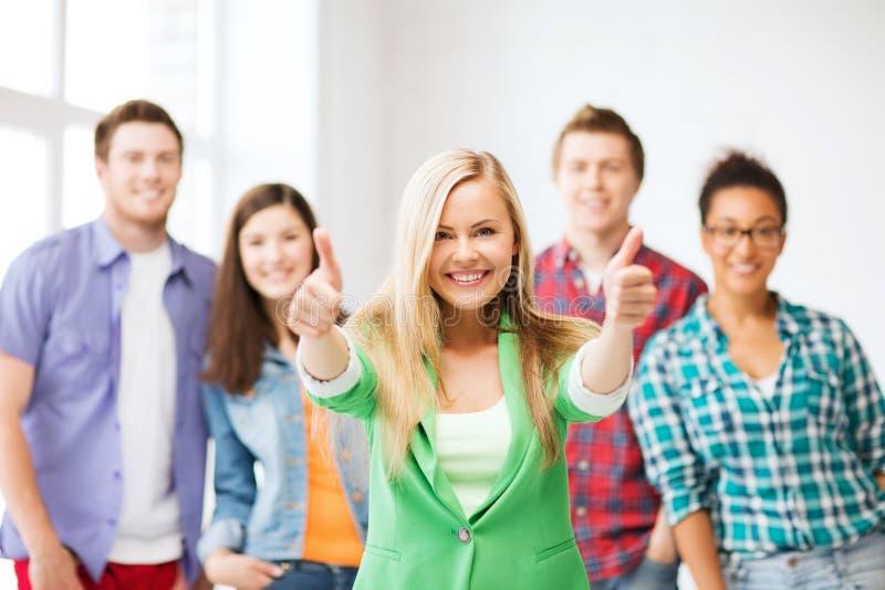 Groep studenten op school royalty-vrije stock fotografie