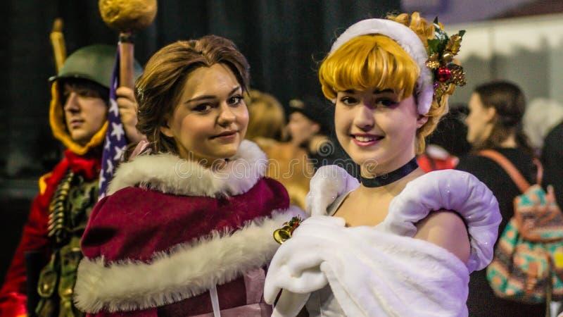 Groep tienercosplayers, heilige-Petersburg, 13 november 2016 royalty-vrije stock afbeeldingen