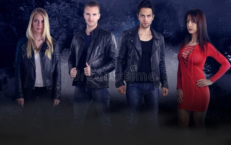 Groep van vier jonge vampieren stock fotografie