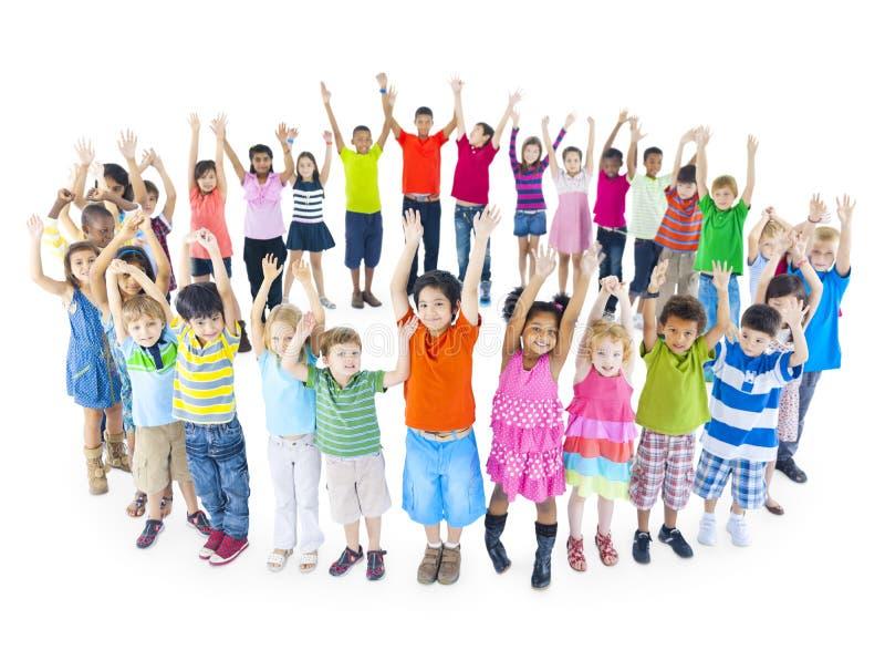 Groep Wereldkinderen het Vieren stock afbeelding