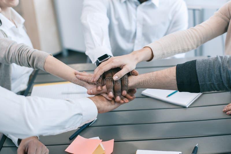 Groeps mensen van het commerciële het werkconcept vergaderingsteam stock foto