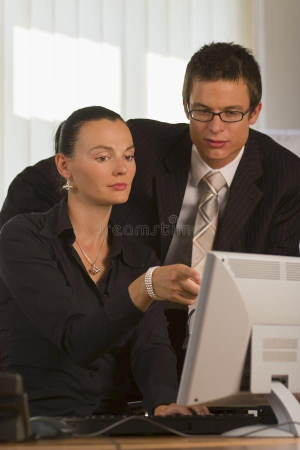 Groepswerk in het Bureau royalty-vrije stock foto