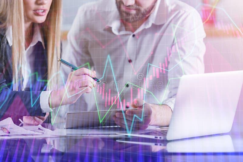 Groepswerk, vergaderings en analyseconcept stock afbeeldingen