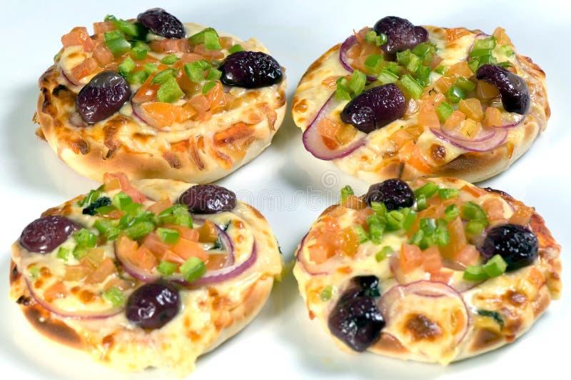 gromadzić się śródziemnomorskie pizze fotografia royalty free