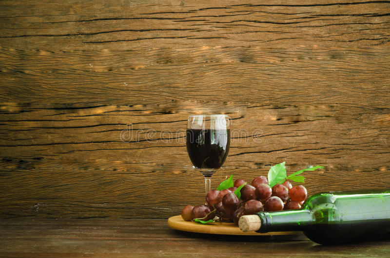 Gronowy wina wciąż życie obrazy stock
