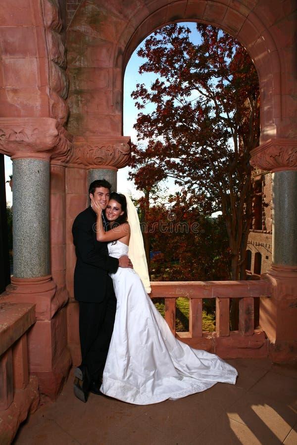 groom дня невесты красивый их венчание стоковое изображение rf
