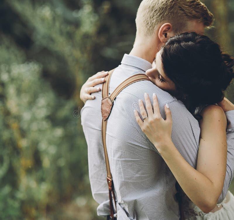 Картинки обнимашек романтические