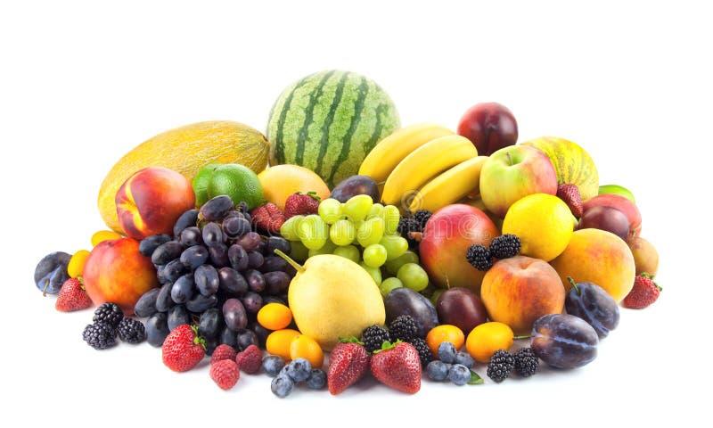 Groot assortiment van Verse Organische die Vruchten op wit worden geïsoleerd royalty-vrije stock afbeelding
