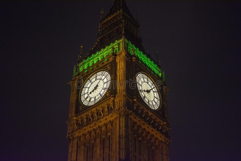 Groot Ben Tower Clock in Londen, Engeland, het UK bij nacht stock foto