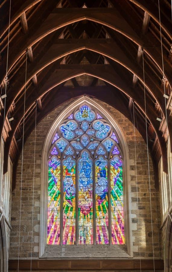 Groot bevlekt venster van de Kathedraal van Heilige Davids, Hobart Australia royalty-vrije stock foto