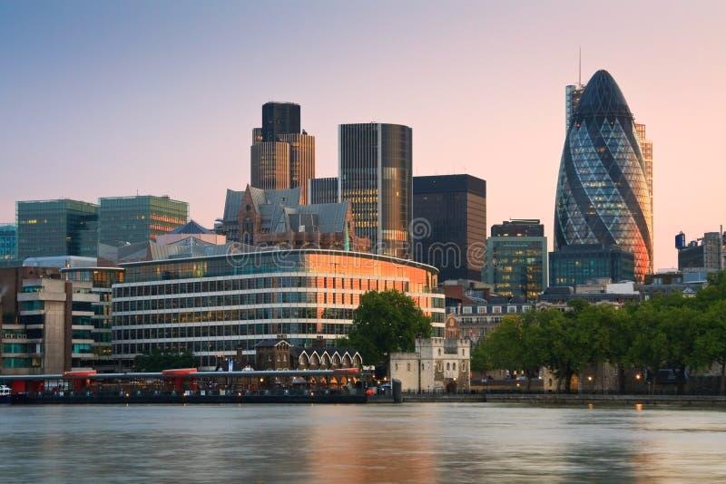 Groot-Brittannië, het Verenigd Koninkrijk, het UK, Engeland, Londen, hoofdstad, metropool, megalopolis, cityscape, moderne archite stock foto's