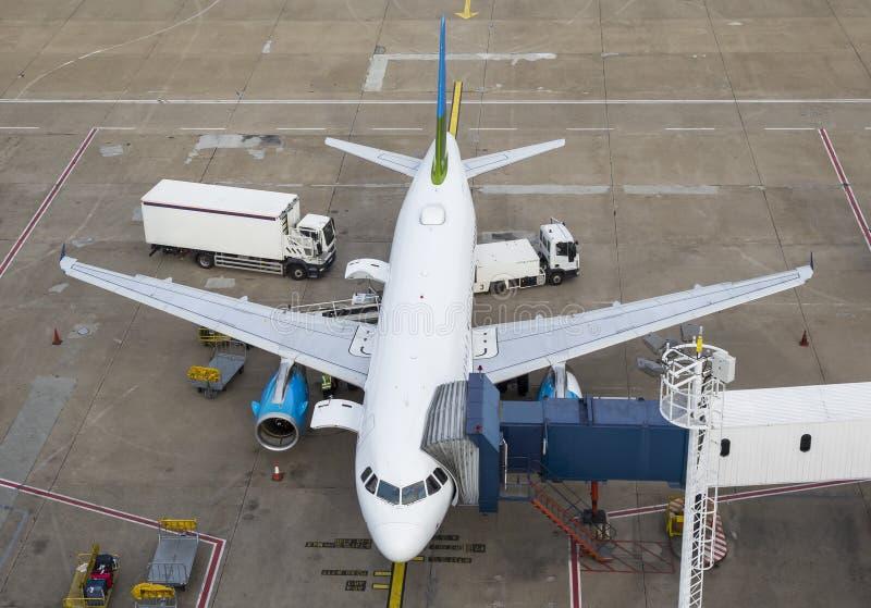 Groot commercieel vliegtuig royalty-vrije stock afbeeldingen