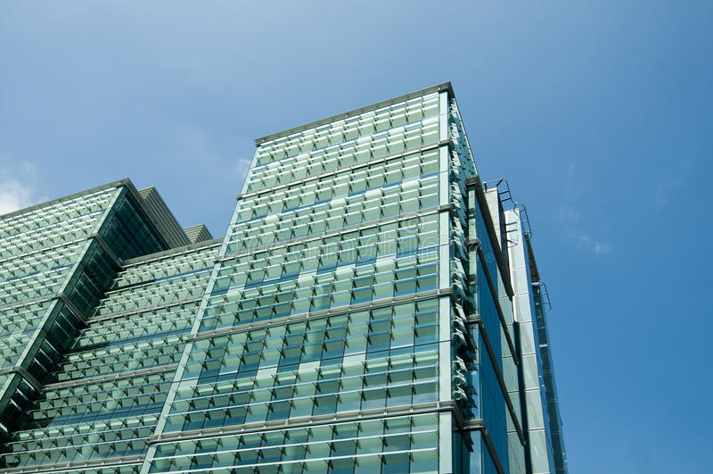 Groot de bouw van het glas modern bureau ontwerp stock fotografie