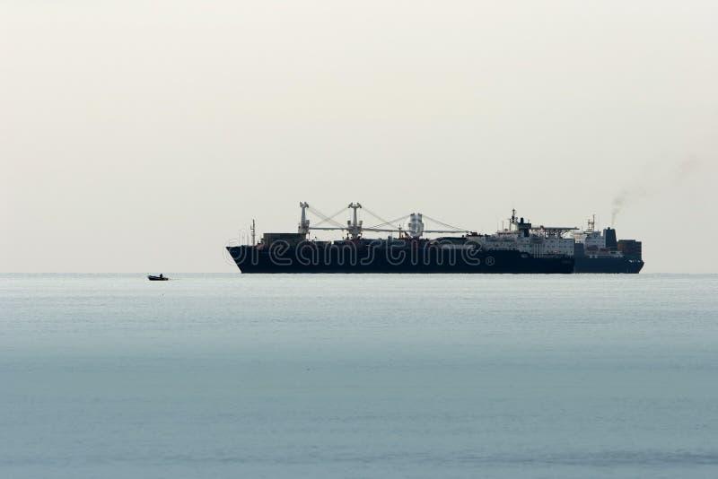Groot en klein schip stock afbeelding